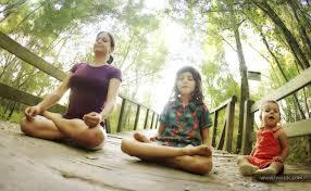 5 Alasan Kenapa Anak Anda Harus Berlatih Yoga