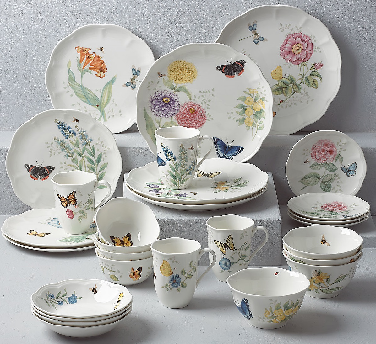 About a Corelle Dinnerware Set